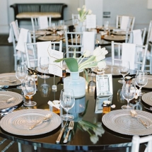 silver-and-blue-table-setting-ideas